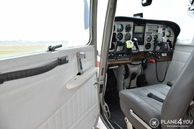 1980 CESSNA TU206 Turbo Stationair Skydiving