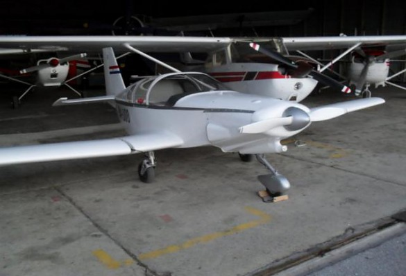 2000 RAND KR-2